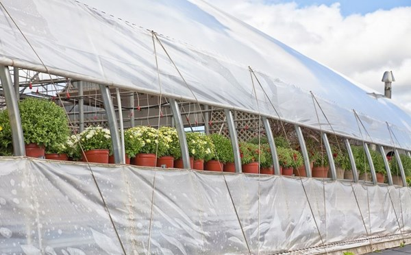 Ventilation systems for greenhouses and indoor gardens for Indoor gardening ventilation