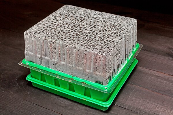 Seedling tray with dome cover