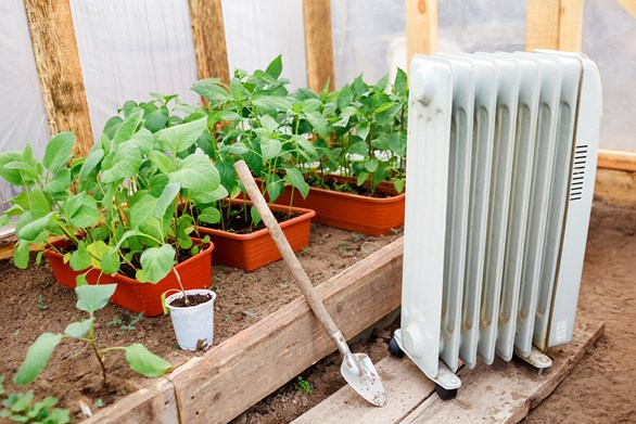 7 Practical Heating Solutions for Your Indoor Grow